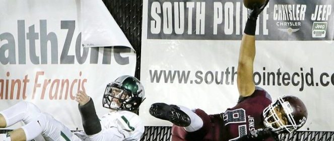 Reese Leitao comes down with a TD catch